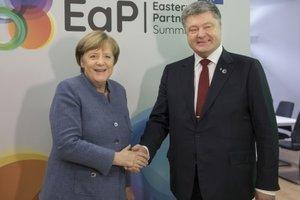 Порошенко и Меркель обсудили Донбасс и Россию: итоги разговора