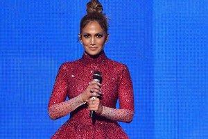 Fashion battle: Jennifer Lopez and Alla Kostromicheva in the same mini over 10 thousand dollars