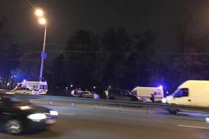 В Киеве дорогу не поделили сразу три авто