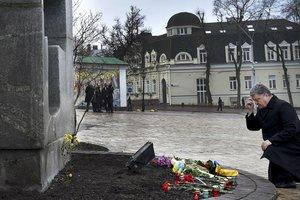 Порошенко почтил память жертв Голодомора 1932-1933 годов