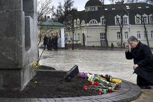 Не оскверняйте память жертв Голодомора: Порошенко обратился к политикам
