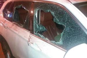 Попытка ограбления в Киеве: бандиты ранили мужчину ножом, но тот сумел остреляться