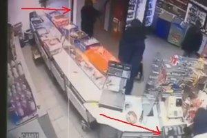 В Киеве сын нардепа пытался ограбить магазин, появилось видео – СМИ