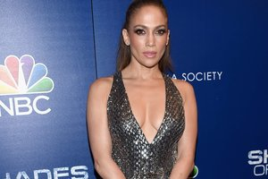 Jennifer Lopez shared a sexy photo with your favorite