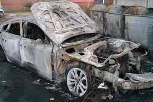 В Запорожье сгорели четыре машины