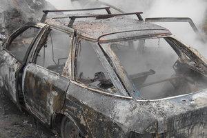Под Киевом дотла сгорел автомобиль