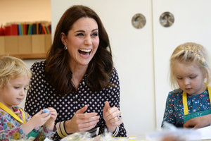 Pregnant Kate Middleton came out in shoes for $ 600