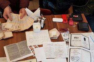 СБУ задержала организаторов перевозки нелегалов, причастных к ИГИЛ
