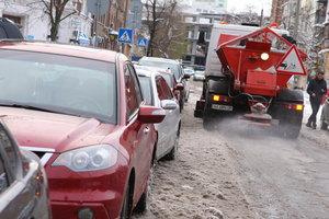 В Киеве из-за гололеда наземный транспорт ходит без расписания
