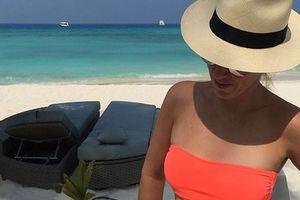 Украинская теннисистка в ярком купальнике отдыхает на Мальдивах