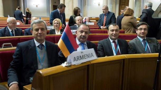Участники ОЧЭС должны дать ответ на жесткую политику РФ,— Парубий