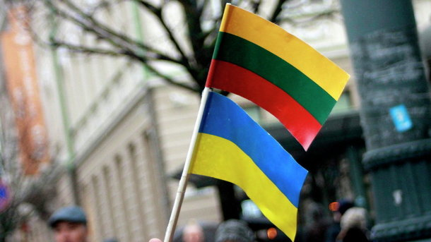 Литва передаст Украине неиспользуемые автоматы Калашникова иминометы