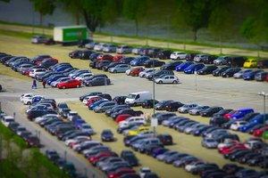 В Киеве будут эвакуировать незаконно припаркованные авто