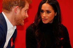 Меган Маркл в стильном наряде впервые присоединилась к принцу Гарри в официальной поездке