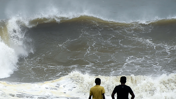 НаШри-Ланке умер украинец: его смыло водой вовремя шторма