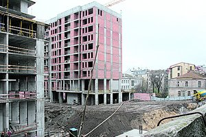 Стройка на месте Сенного рынка в Киеве: архитекторы против