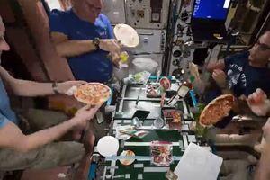 На Международной космической станции приготовили пиццу