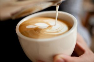 What time of day is best to drink coffee – answer nutritionist