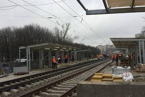 До Нового года в Киеве отремонтируют три станции скоростного трамвая