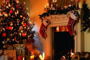 How to decorate homes for the New year and Christmas in Ukraine and USA