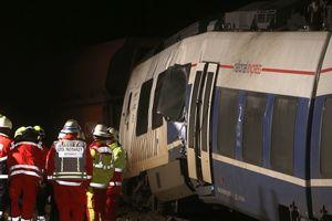 Под Дюссельдорфом столкнулись два поезда: десятки пострадавших