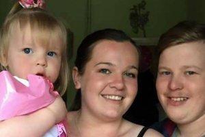 Забыла 9 лет жизни: после комы 22-летняя девушка не узнала жениха и детей