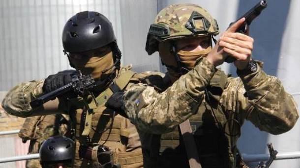 «Маски-шоу стоп». вУкраинском государстве начал действовать главнейший закон