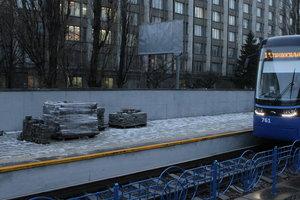 Ремонт скоростного трамвая в Киеве за 15,9 миллионов: три станции обещают закончить к Новому году