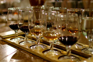 Европейцы ежегодно выпивают алкоголя на 130 млрд евро