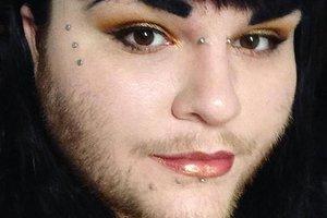 26-летняя девушка перестала брить волосы на лице, чтобы показать другим, что им не нужно стыдиться себя