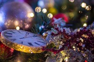 Где встречать Новый год 2018: Бродвей, горы и древний Киев
