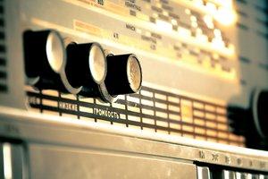 Украинские радиостанции превысили языковые квоты по объемам украиноязычных песен