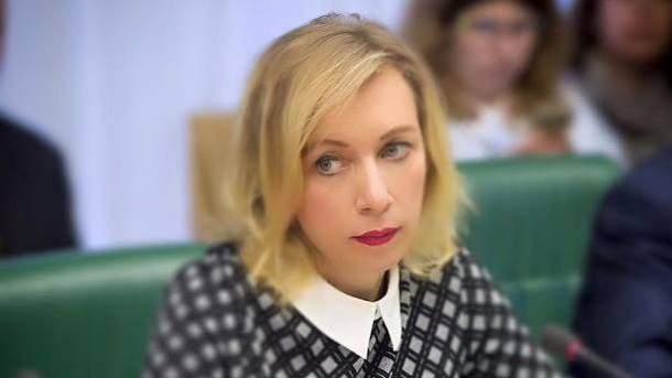 illyustratsii-mariya-vorobushki-na-pornozvezda-lesbi