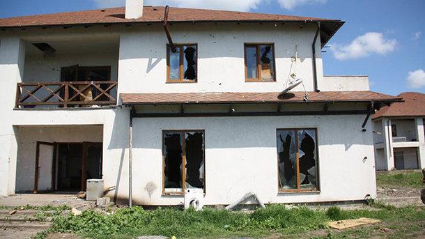 СЦКК: боевики ОРДО заставили мирных граждан скрываться всоседнем поселке иподвалах