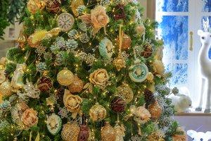 Как украсить елку и дом к Новому году: основные тренды модного декора 2018 и правила фэншуя
