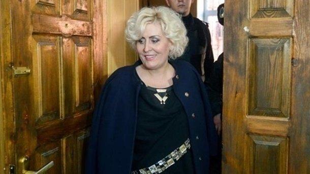 Отпущенная под домашний арест экс-мэр Славянска Штепа неявилась насуд