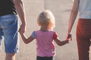 Редкое генетическое заболевание лишило всю семью чувства боли