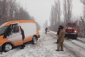 Главу Нацполиции отправили вызволять машины из сугробов