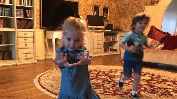 «Можно наолимпиаду отправлять»: Алла Пугачева похвасталась первой наградой дочери