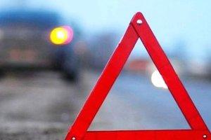 Масштабное ДТП в Киеве: столкнулись три авто