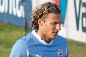 Лучший футболист ЧМ-2010 возобновит карьеру в Уругвае