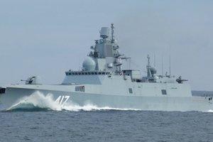 Военный корабль России перехвачен у территориальных вод Британии