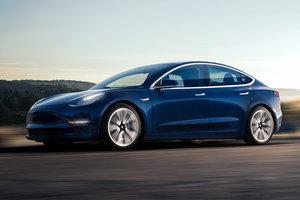 Видеошок: новый электрокар Tesla удивил скоростью