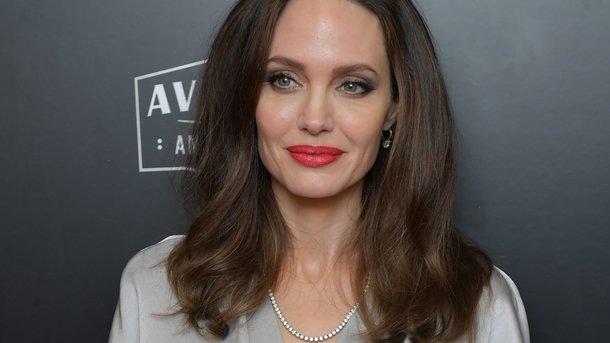 Картинки по запросу Джоли