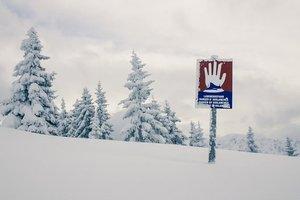 Четыре тысячи человек оказались в снежной ловушке в Альпах