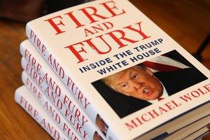 Книга о хаосе в администрации Трампа вышла из печати в США
