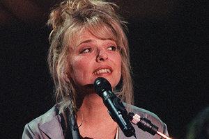 Во Франции умерла победительница Евровидения