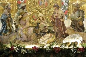Порошенко подарил трапезному храму Софии Киевской вертеп