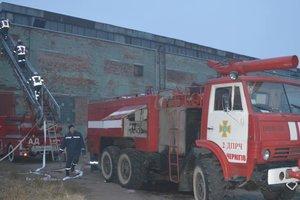 Серьезный пожар в Чернигове: с огнем боролись десятки пожарных