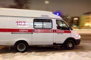 В Тернополе мужчина, которого подобрали на улице без сознания, избил медсестру